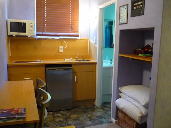 Taihape, Nuova Zelanda: Cooking facilities in every room