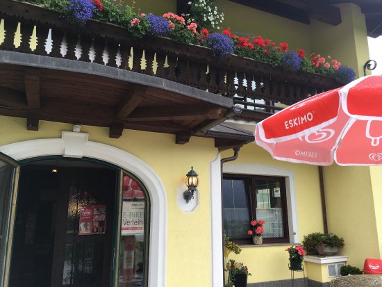 Nussdorf am Attersee, Австрия: Lovely views from the gasthaus