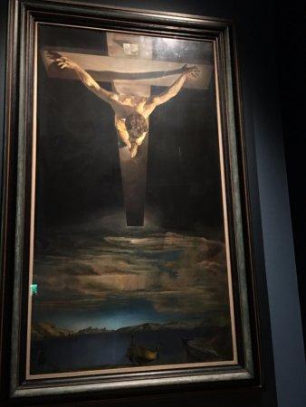 Kelvingrove Art Gallery and Museum: サルバドール・ダリ『サン・ファン・ファン・デ・ラ・クルスのキリスト』