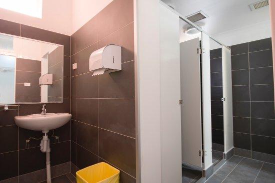 Akara Hotel  Communal Bathroom. Communal Bathroom   Picture of Akara Hotel  Perth   TripAdvisor