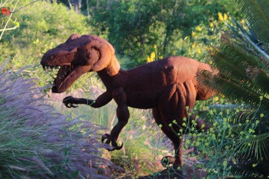 Vista, Калифорния: T-rex