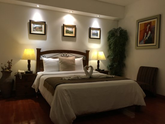 Casa Bella Miraflores: Quern Size Room