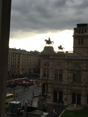 Hotel Bristol Vienna: Taken from my room view of the Opera House