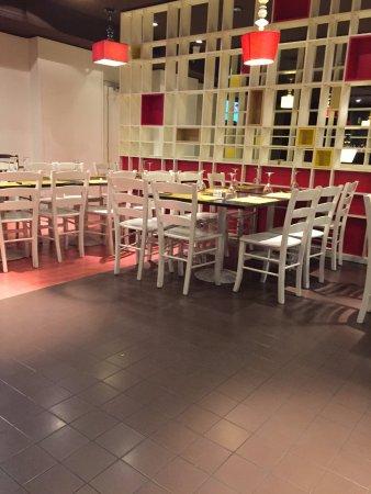 Corsico, Italia: tavoli