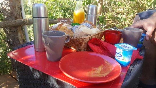 La-Bouilladisse, Prancis: petit déjeuner