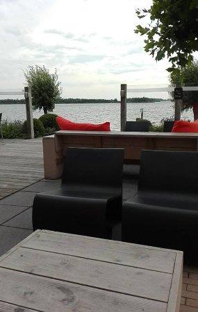 พัตเตน, เนเธอร์แลนด์: Terrace, with a great view over the lake.