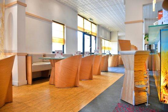 Ibis Saint Quentin Basilique: salon