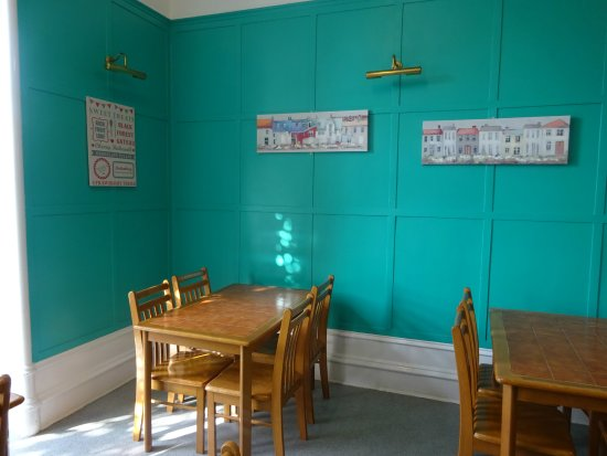 Aberdeen Youth Hostel: Guest Dining Area