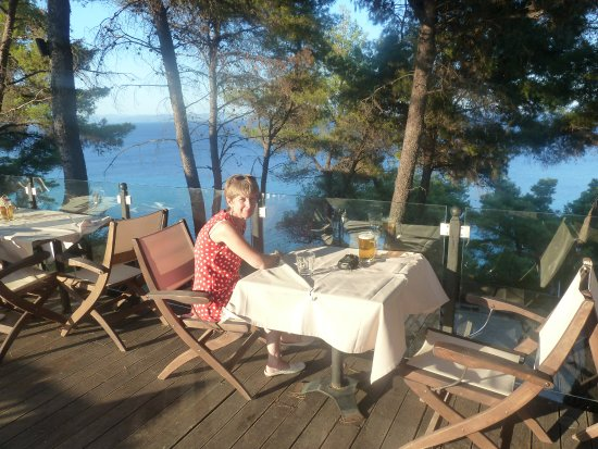 Nostos Hotel: Lovely place to eat breakfast or dinner.