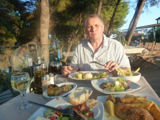 Nostos Hotel: Good food and service in wonderful surroundings.
