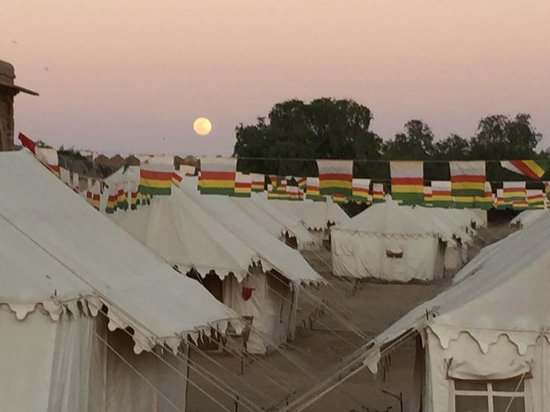 Royal Camp: the tent camp under the full moon