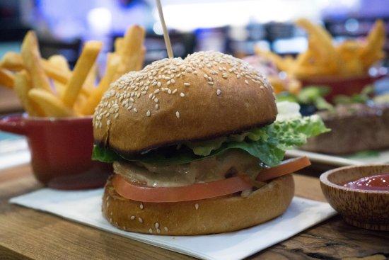 Wantirna, Australia: Camel Burger