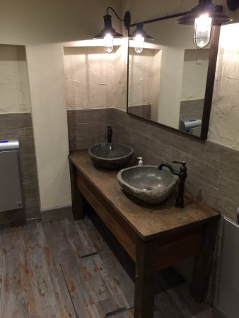 Plattens Fish and Chips: New Toilets