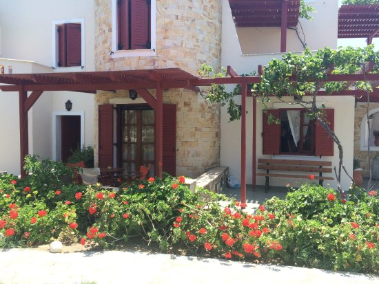 Plaka, Griechenland: The balcon for every room