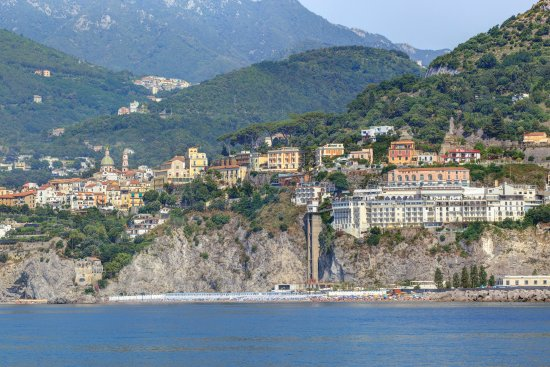 Lloyd's Baia Hotel: Panoramica dal mare