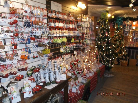 Southport, Carolina del Norte: Just a few ornaments......