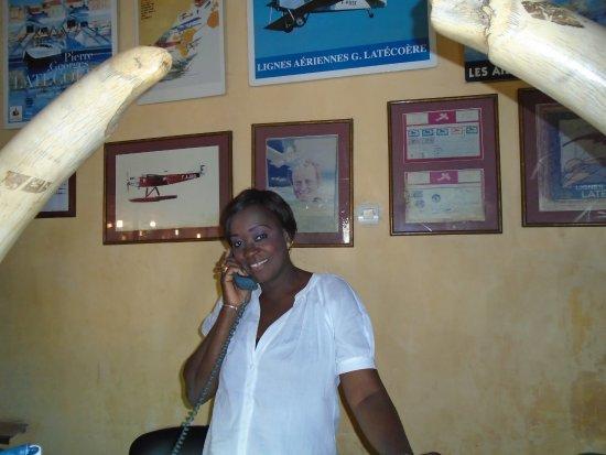 Hotel de la Poste: Adia, la charmante réceptionniste !