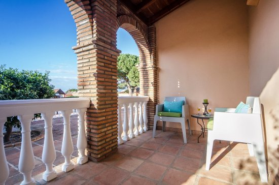 Villa CONMIGO Bed and Breakfast