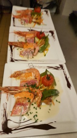 Balbigny, França: Brochette de poissons