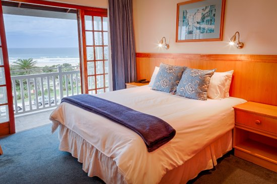 Humewood Hotel : Sea Facing Room with Balcony