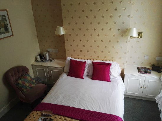 Holgate Hill Hotel: great room