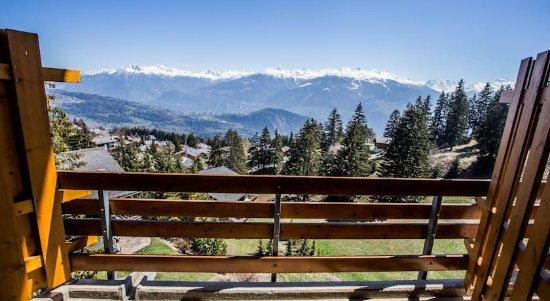 Anzère, Suiza: Vue depuis les chambres