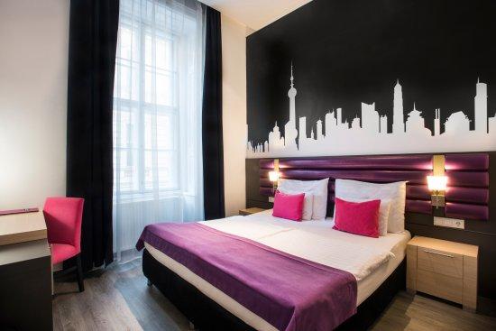 Cosmo City Hotel : Double room