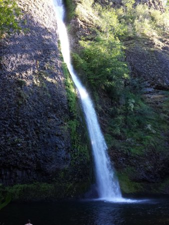 Columbia River Gorge National Scenic Area: Horsetail Falls