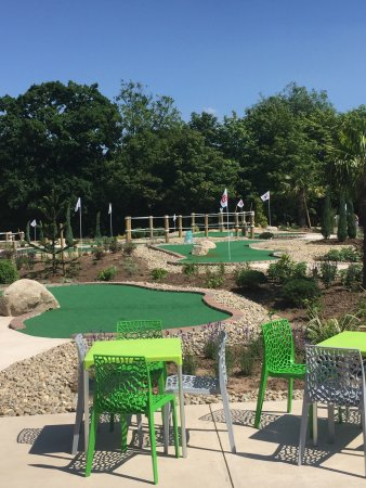 Dorridge, UK: New amazing Crazy Golf course!