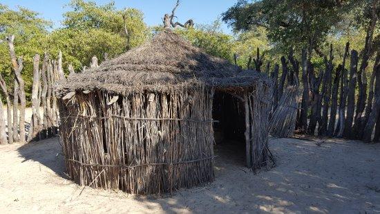 Rundu, Namibia: Hütte