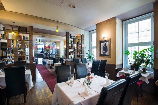 Cosmo City Hotel: Restaurant