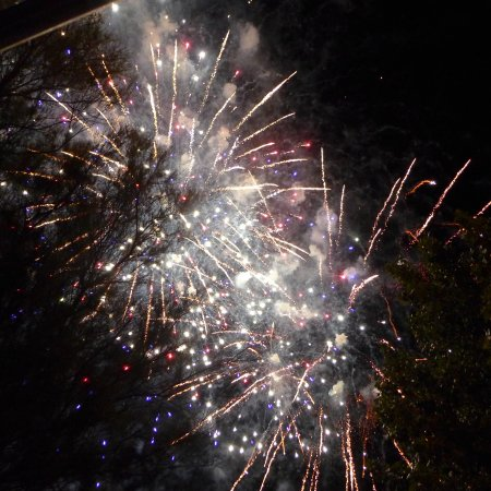 Balaruc-le-Vieux, ฝรั่งเศส: FEU D'ARTIFICE DE LA FETE MEDIEVALE AU MINI GOLF