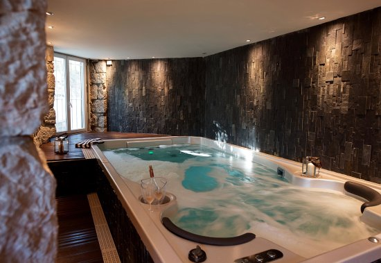 spa jacuzzi sauna picture of hotel spa la villa cap. Black Bedroom Furniture Sets. Home Design Ideas