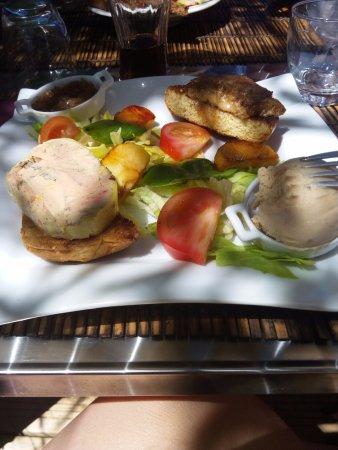 L 39 auberge du donjon photo de l 39 auberge du donjon for Tiffauges restaurant