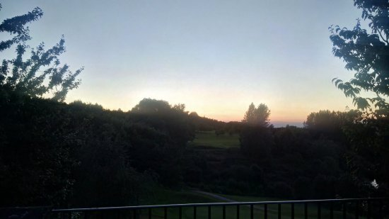 Hellidon, UK: Sunset from terrace