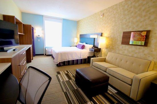 Yukon, OK: King Suite