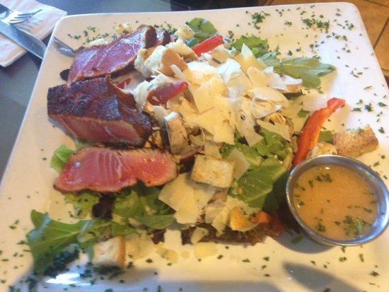 Manderes: Ahi Salad
