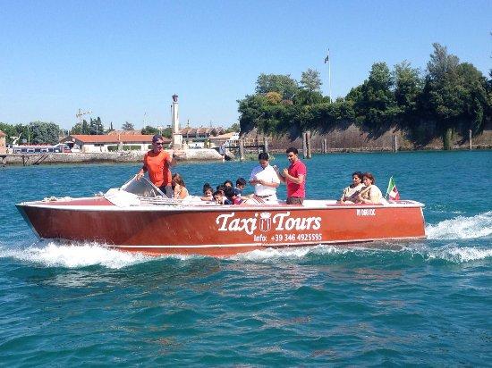 Navicharters - Peschiera Taxi Boat