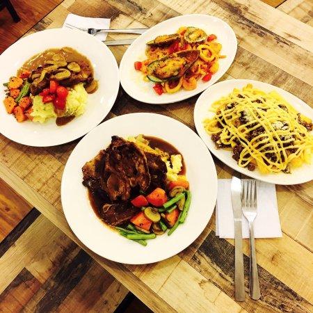 Nilai, Malezja: BEENEST -Board game cafe