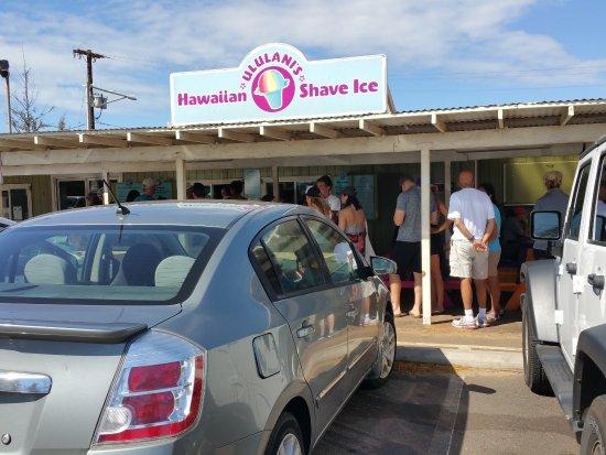 Ululani's Hawaiian Shave Ice : Long line