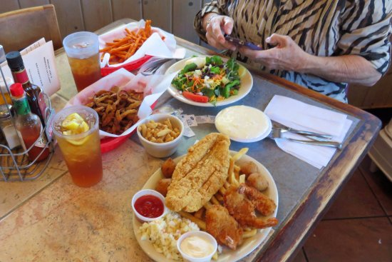 Lincoln County Grill: Salad and those fried onion we do not recommend