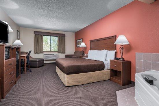 AmericInn Lodge & Suites Tofte - Lake Superior: Grand/Honeymoon Suite