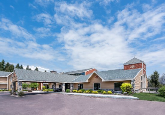 AmericInn Lodge & Suites Tofte - Lake Superior: Exterior/Grounds