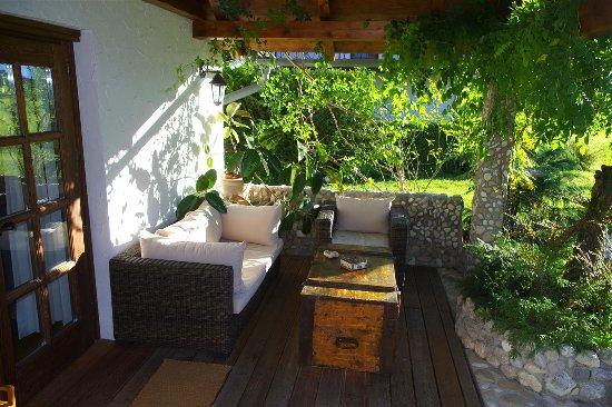 Cottage and Chalet Pr Klemuc: Overdekt terras