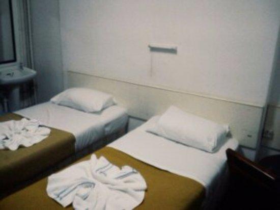 Queen's Hotel: Ein Doppelzimmer im 3. Stock