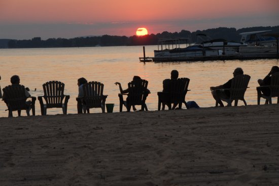 Davidson, นอร์ทแคโรไลนา: Just minutes from the shores of Lake Norman