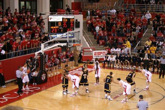 Davidson, นอร์ทแคโรไลนา: Wildcats in action at Belk Arena