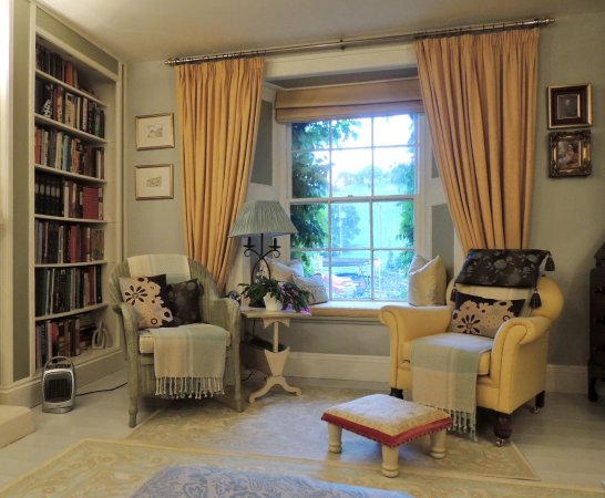 Caerhays, UK: The guest sitting room
