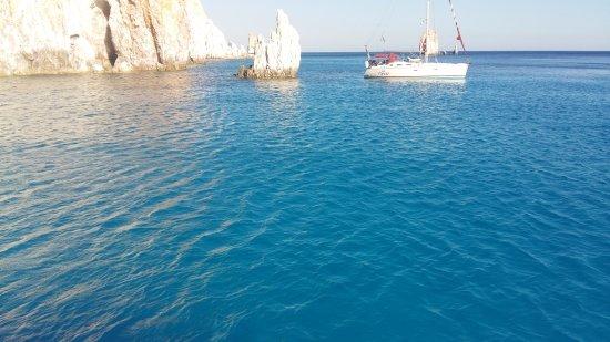 Адамас, Греция: γαλάζια νερά - πολύαιγος