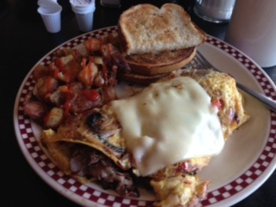 Lee, MA: Philly Omelet with Sourdough bread and yummy hashbrowns